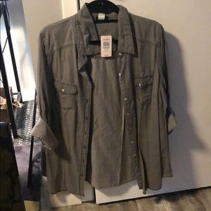 TORRID PLUS SIZE LIGHT WEIGHT GREY BUTTON DOWN
